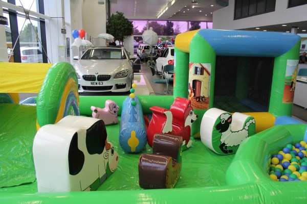 toddler farm play zone evesham bouncy castles 01386 257186